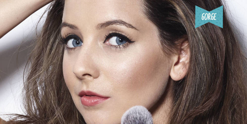 Zoella Line Drawing : Exclusive preview of zoella s vampy christmas beauty shoot