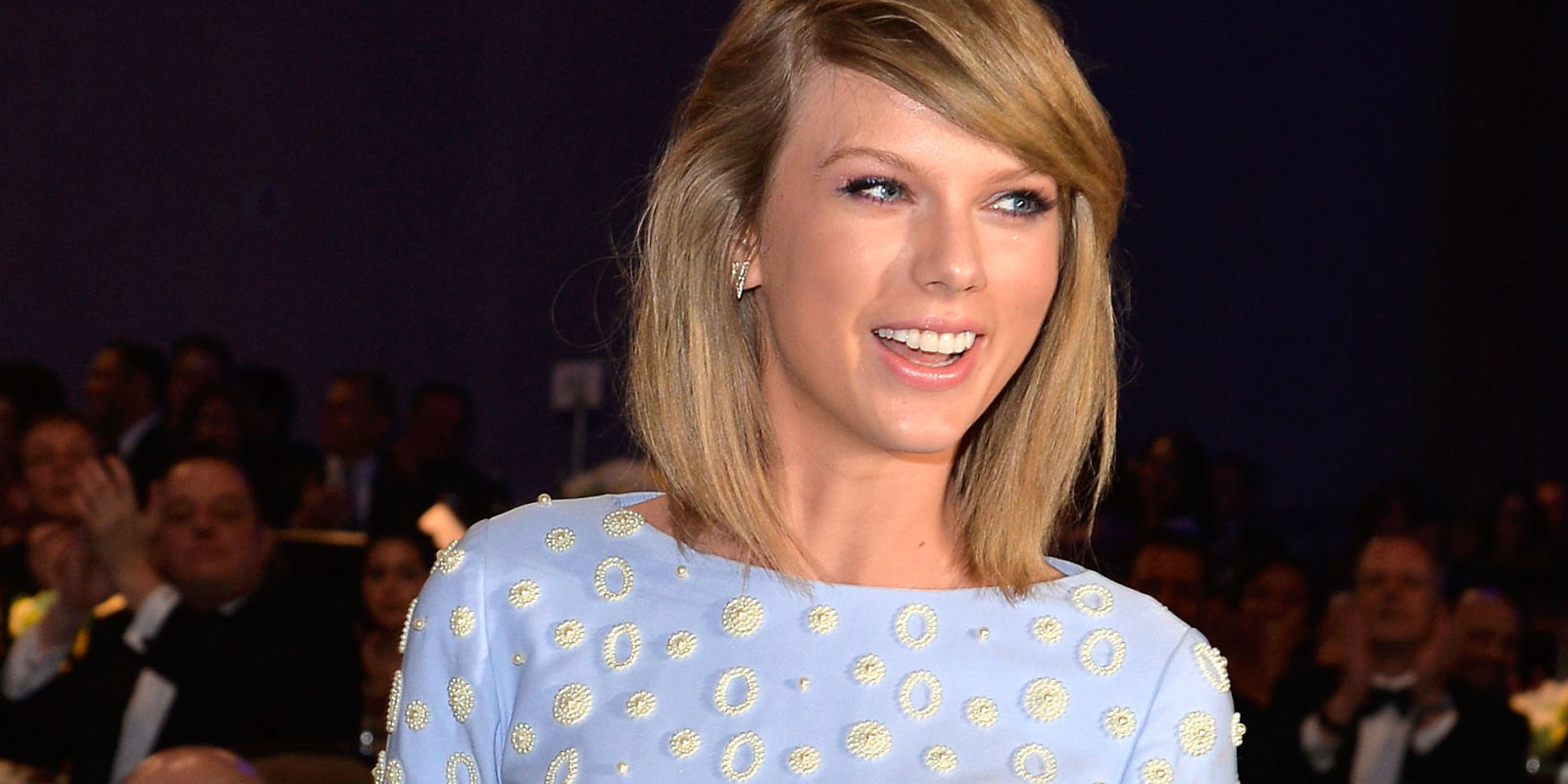 is taylor swift dating someone right now
