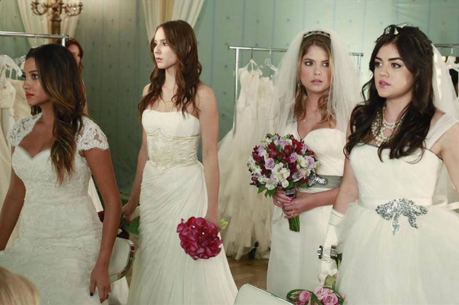 Quiz Which Pretty Little Liar Is Your Style Spirit Animal Hanna Aria Spencer Or Emily