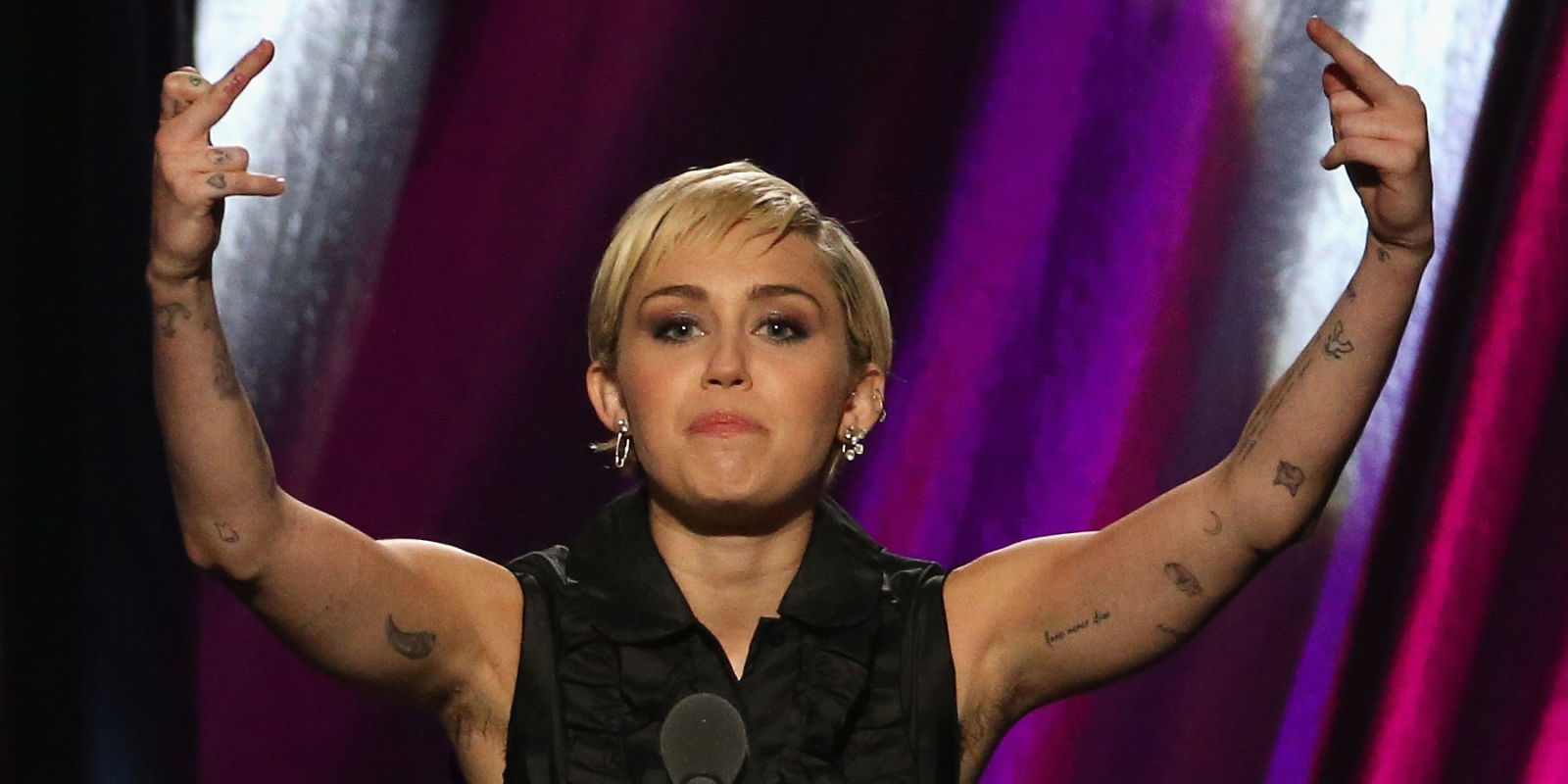 Miley Cyrus Has Stopped Shaving Her Armpits And Everyone S