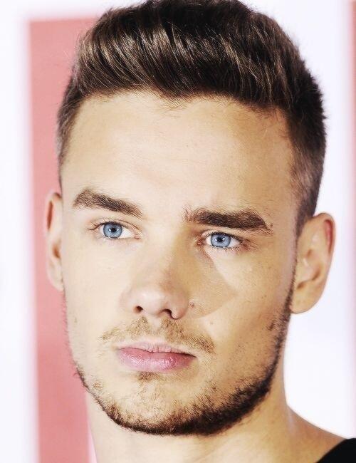 Liam Payne with blue eyes