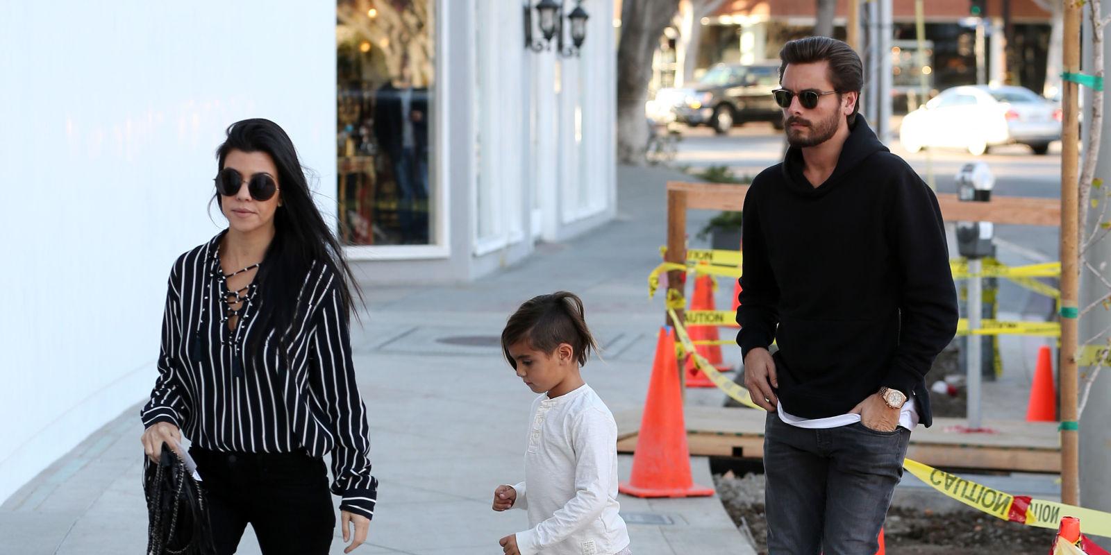 Kourtney kardashian and scott disick head out furniture for Where do the kardashians shop for furniture
